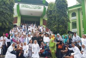 indonesia nuns and muslim women