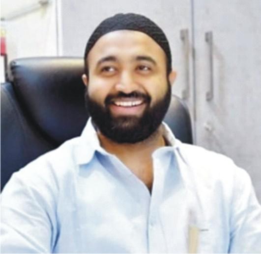 Touheed Mujawar Wins Award For Social Excellence